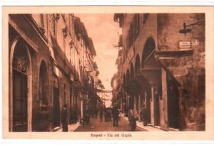 Via del Giglio in una cartolina d'epoca